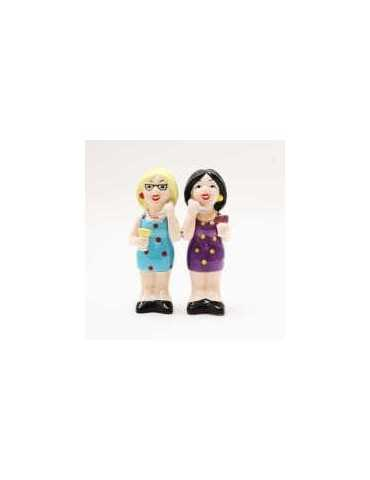 SALT AND PEPPER LADIES WITH PHONE